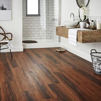 Piastrelle effetto legno per bagno design casa creativa - Piastrelle bagno legno ...