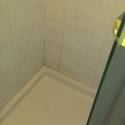 Perdita bagno appartamento