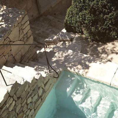 piscina pietra