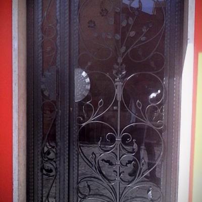 Realizzazione porta esterna