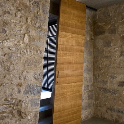 https://it.habcdn.com/photos/project/gallery/porta-scorrevole-in-legno-456738.jpg