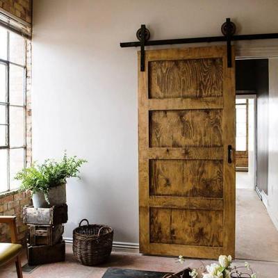 Idee e foto di finestre e porte in stile vintage a cuneo - Porte esterne rustiche ...