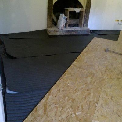 Preventivo posare battiscopa legno online habitissimo - Posa pavimento esterno su sabbia ...