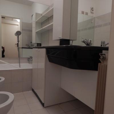 Idee di installare o cambiare vasca da bagno o doccia per - Bagno chiavi in mano ...