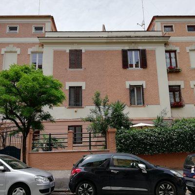 Restauro condominiale di un villino privato a Roma