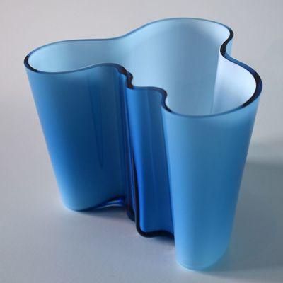 Icone di design: il vaso Savoy di Alvar Aalto