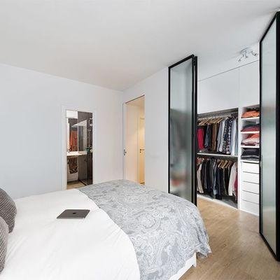 Soluzioni per distribuire la camera da letto ed aggiungere una cabina armadio