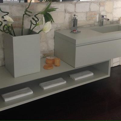 Realizzazione di  mobili su misura con rivestimento in ecomalta