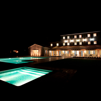 Resort Velanera esterno by night