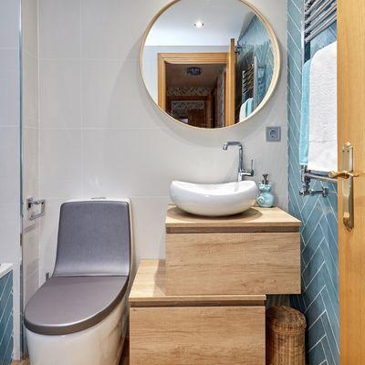 Ristrutturare un bagno lungo e stretto: come sfruttare al massimo gli spazi e riproporzionarlo