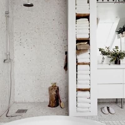Come ristrutturare il bagno senza togliere le mattonelle