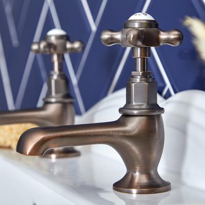 Idee per un bagno in stile vintage
