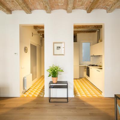 Sardenya: una casa che guadagna luce e qualità grazie a trucchi decorativi
