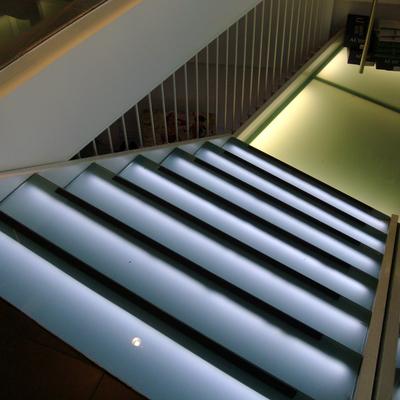 scala illuminata a led