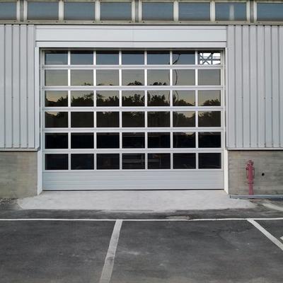 Sezionale vetrato.