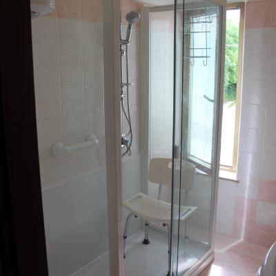 Idee di stile classico per ispirarti habitissimo - Bagno finestra nella doccia ...