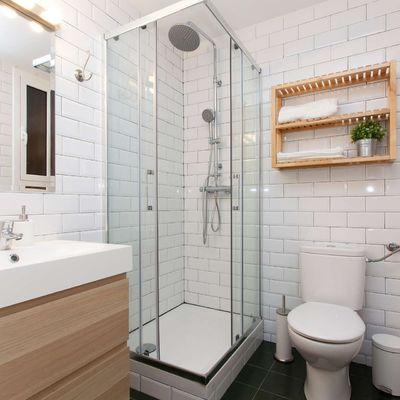 Idee di arredo bagno per combattere la mancanza di spazio