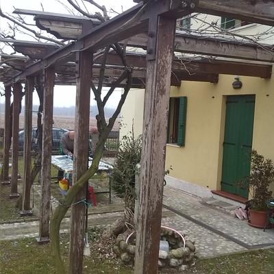 Progetto tettoia con profili di acciaio a Treviso (TV)