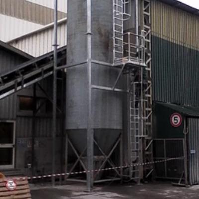 Costruzione scala in ferro zincato