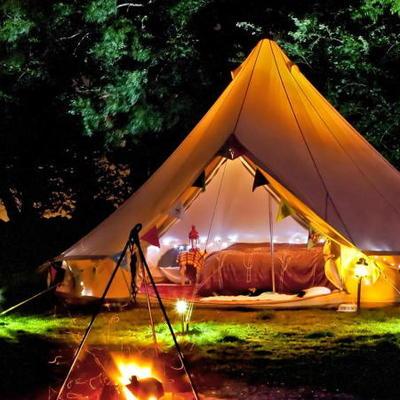 tenda glamping di notte