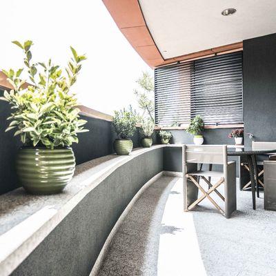 Goditi la terrazza senza il fastidio del sole! Cinque idee pratiche per coprirla