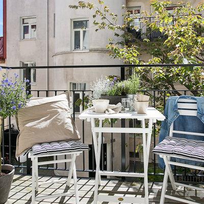 Idee e foto di terrazzo e giardino in stile romantico per - Giardino in balcone ...