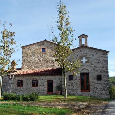 Progetto Ristrutturazione casale con chiesa annessa vicino Gubbio