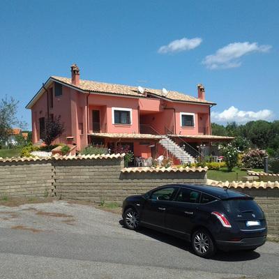 Villa bifamiliare, nuova costruzione realizzata in provincia di Roma