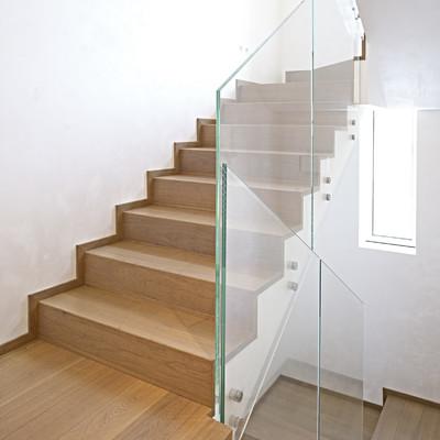 vista della scala in legno