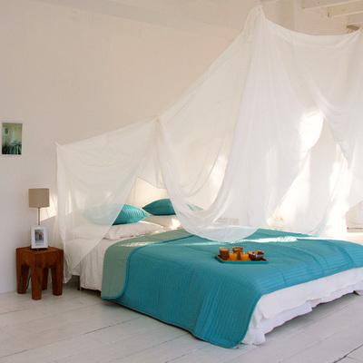 Idee e foto di zanzariere quadrate per ispirarti habitissimo - Zanzariera da letto ...