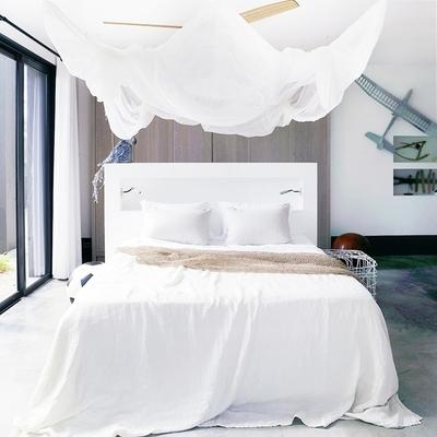 Idee e foto di letti a baldacchino con zanzariera per - Zanzariera da letto ...