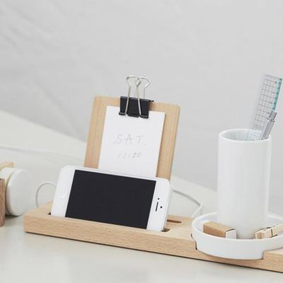 7 oggetti immancabili per la tua zona studio/lavoro