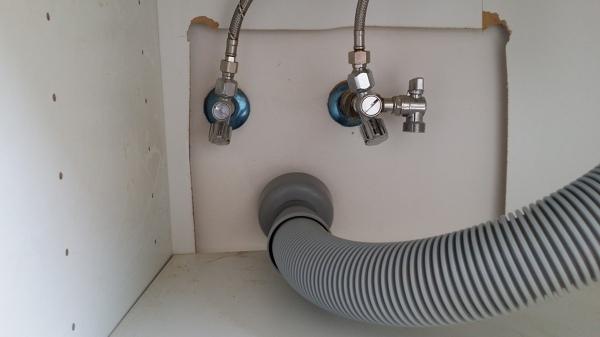 Foto: Allacci Idraulici Du una Cucina Ikea di Fare Impianti ...