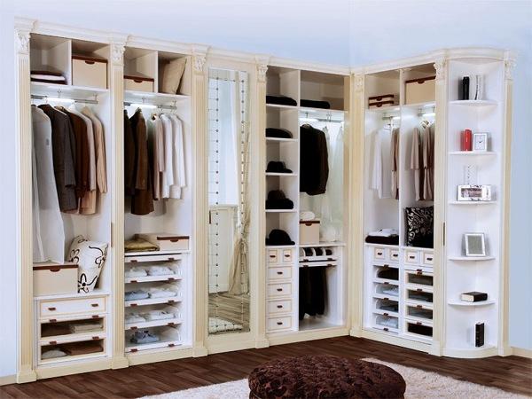 Come Riordinare L\'armadio Per il Cambio di Stagione | Idee Interior ...