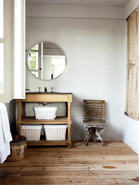 Foto arredamento bagno casa in campagna di valeria del for Foto per arredare casa