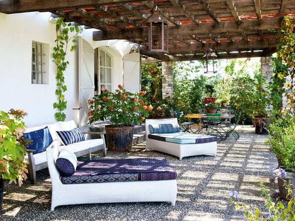 Foto arredamento spazi esterni casa in campagna di - Deco jardin terrasse exotique besancon ...