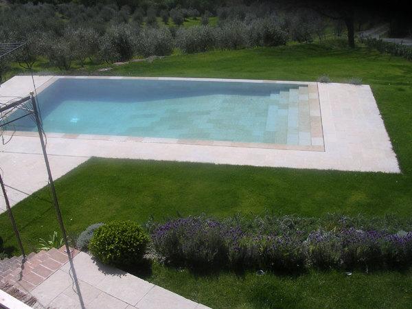 Foto arredo da giardino di giardino toscana 427200 for Foto arredo giardino