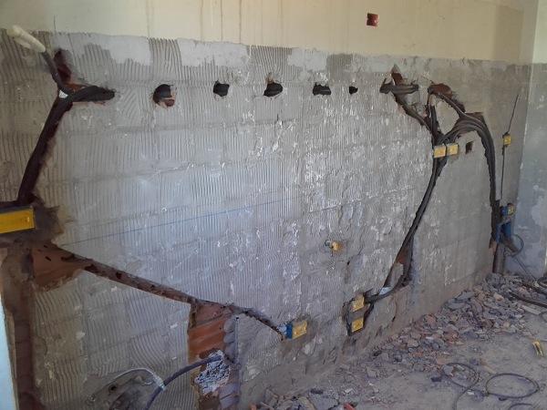 Foto assistenza muraria impianto elettrico cucina di util