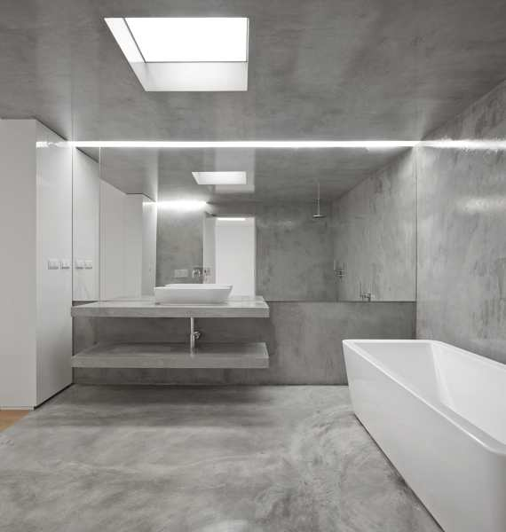 Foto bagno con rivestimento continuo in resina di rossella cristofaro 674289 habitissimo - Rivestimento bagno resina ...