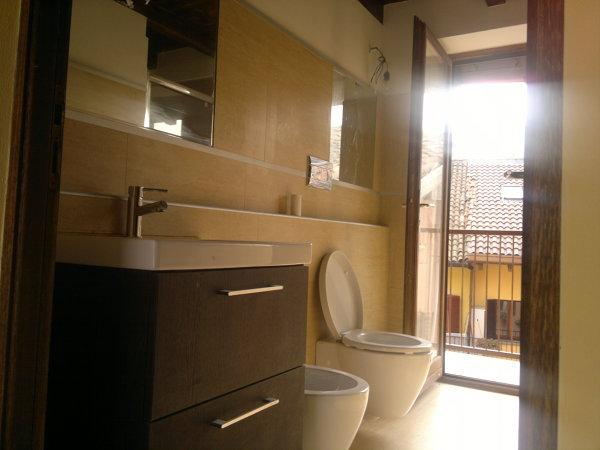 Foto bagno con specchio a incasso di luigi renzulli architetto