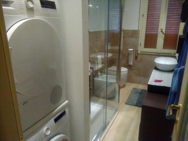 Bagno Con Zona Lavanderia : Foto bagno con zona lavanderia e asciugatura di ristrutturazioni