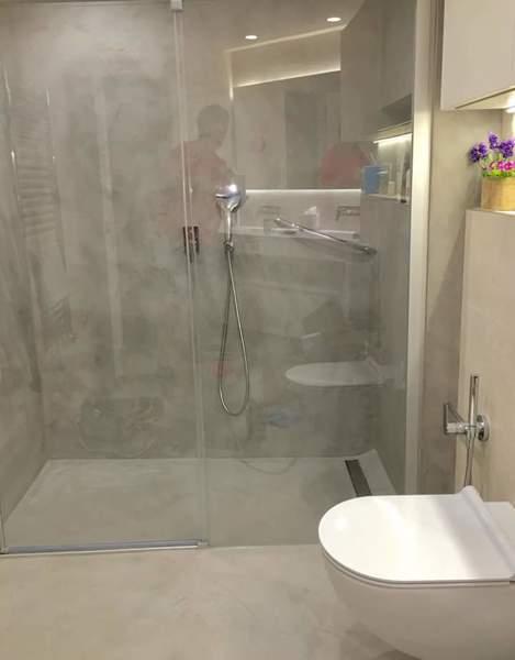 Foto bagno in resina spatolata cementizia di proresine - Resina piastrelle bagno ...