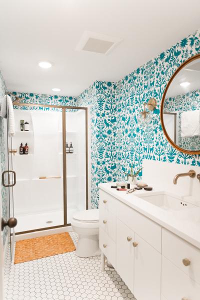 bagno moderno e colorato