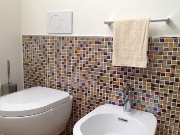 Foto bagno mosaico in vetro di impresa edile flli caprarulo sas 495032 habitissimo - Mosaico vetro bagno ...