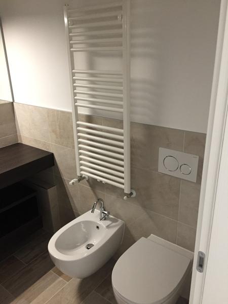 Foto bagno rivestimento a 120 cm di puntoservice srls 552373 habitissimo - Rivestire piastrelle bagno ...