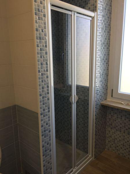 Foto box doccia a nicchia pdp mosaico mgm di de castro srl 437493 habitissimo - Mosaico per bagno doccia ...