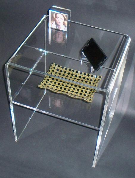 Foto: Comodino In Plexiglass Trasparente di Cavinato Acrylics S.a.s. ...