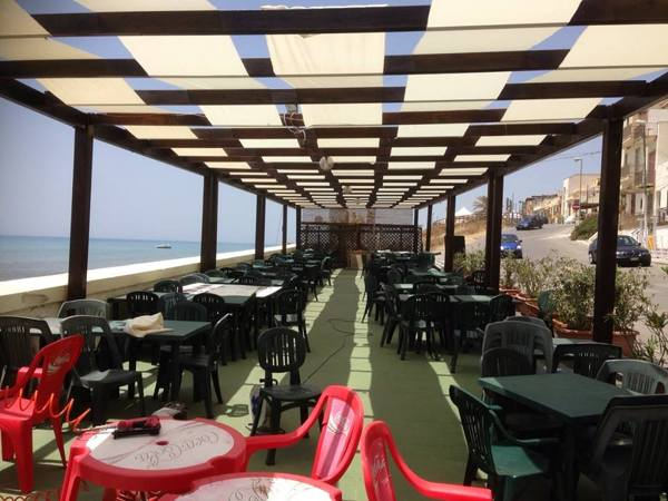Foto copertura a pergola ristorante di truglio paolo for Di paolo arredamenti