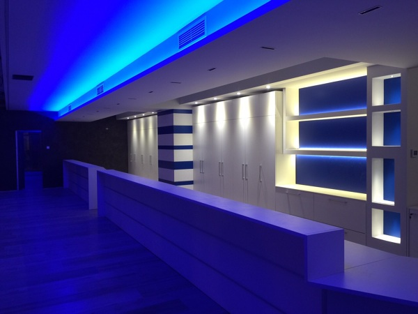 Creazione mobili in cartongesso e soffitti in ufficio con illuminazione led
