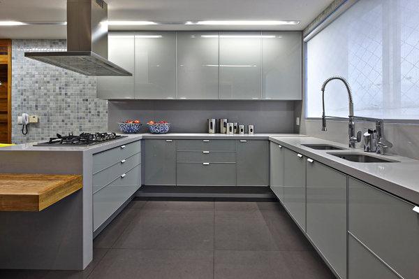 Foto: Cucina con Ante In Vetro di Rossella Cristofaro #519116 ...
